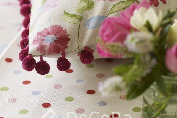 PxxA021-perne-decorative-model-floral-alb-rosu-verde-mov-ciucuri