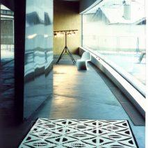 PxxC059-covor-model-geometric-alb-negru