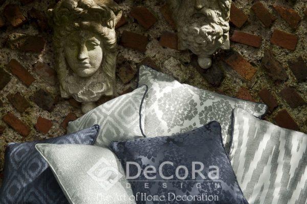 SxxA037-perne-decorative-albastru-alb